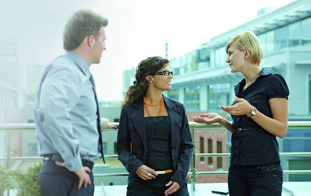 Gespräch Drei Personen