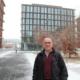 Geothermie-Experte Gunter Siddiqi vor dem BFE-Gebäude in Ittigen